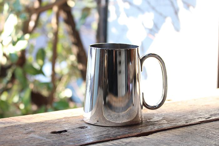 底面ガラスのビアカップ