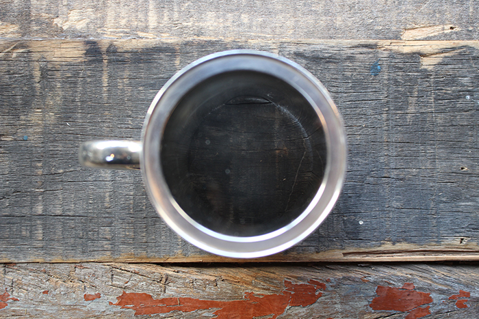 シルバープレート製の小さなカップ
