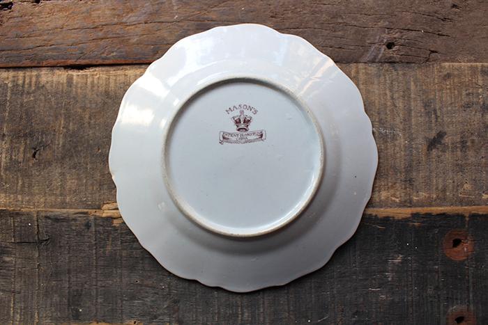 ハンドペイント模様の西洋陶器