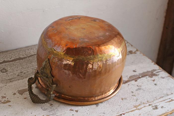 フランスアンティーク銅製鍋の輝き
