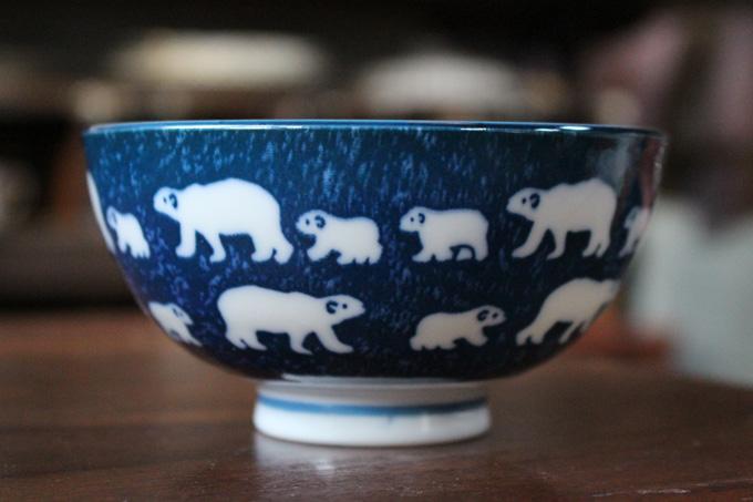 白熊の模様がかわいいお茶碗