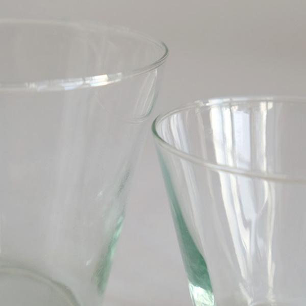 ハンドメイドの吹きガラス
