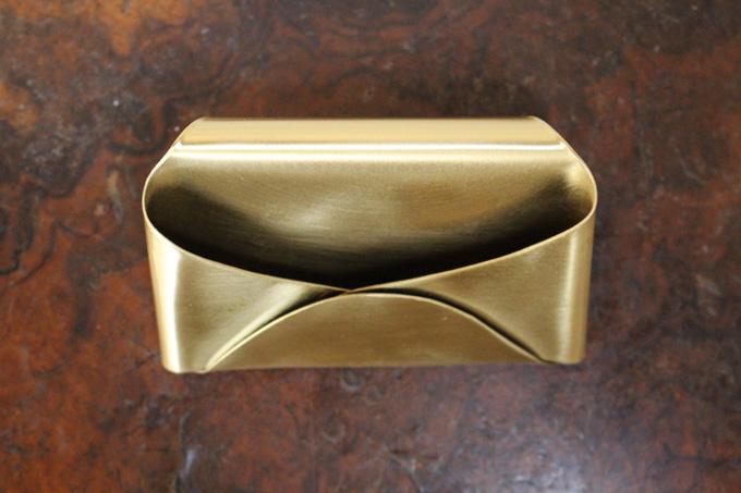 真鍮をつかったゴージャスなカードスタンド