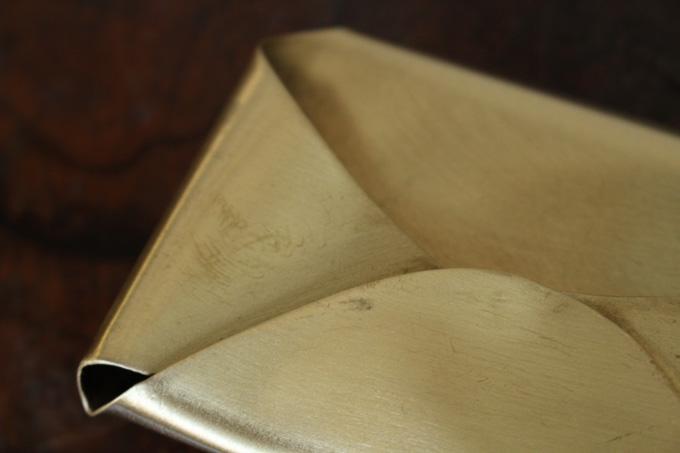 真鍮を使った重厚なカードホルダー