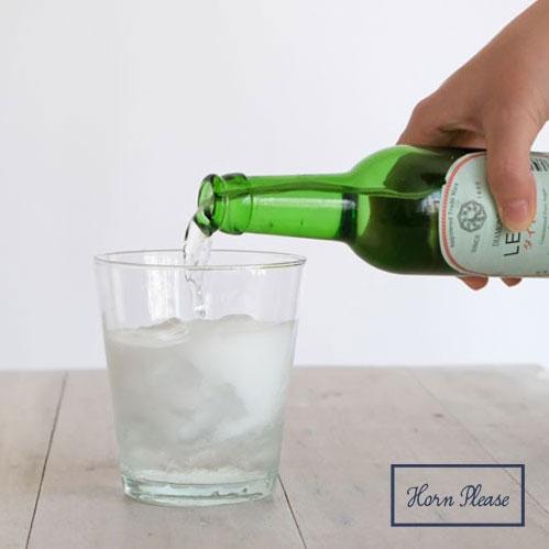 透明感のあるカップ