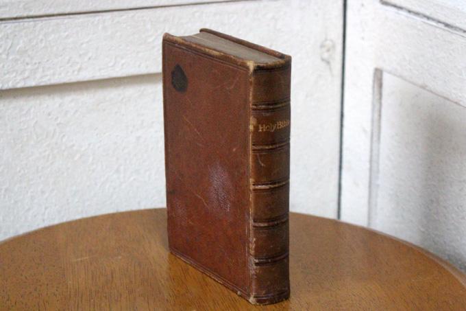 聖書 – sold outアンティークとインテリア雑貨保存版