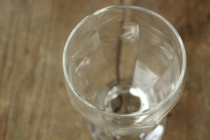 足つきのおしゃれなガラスコップ