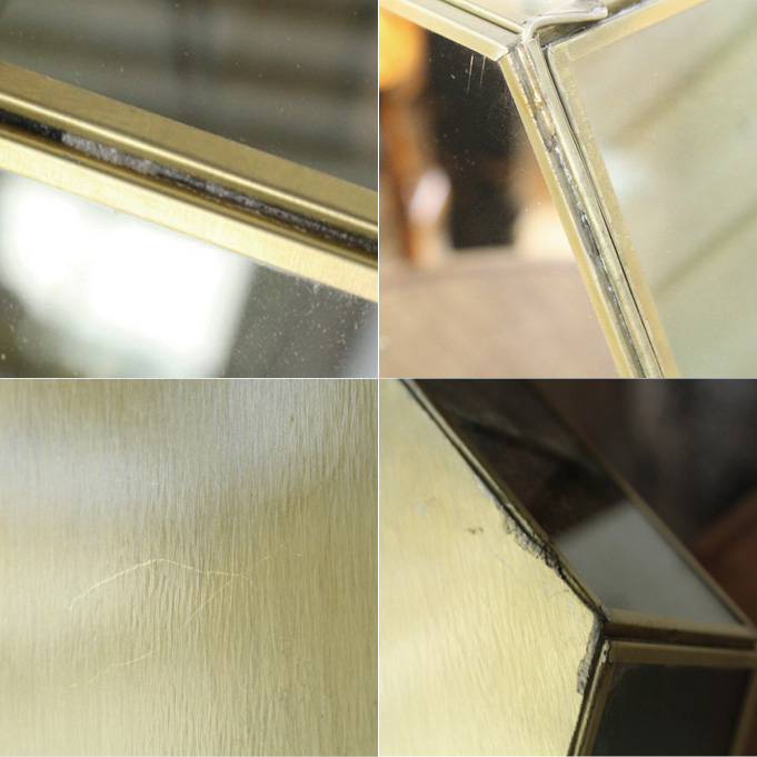 真鍮とガラスでできたおしゃれなシェルフ