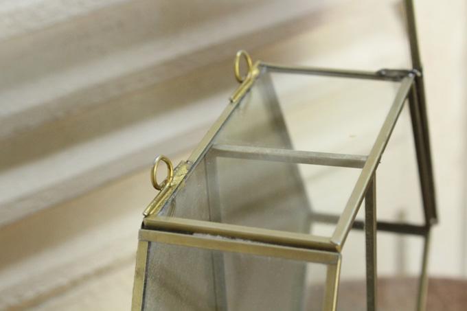壁掛け用ガラスとミラー付き収納棚