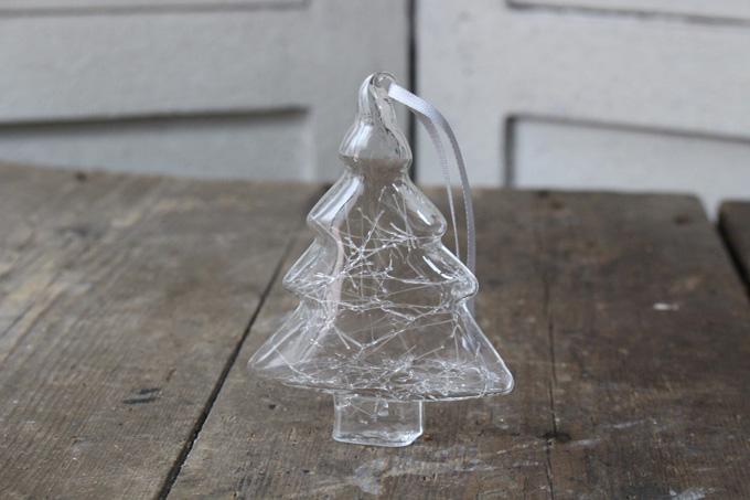 ツリー型のガラス製クリスマスオーナメント