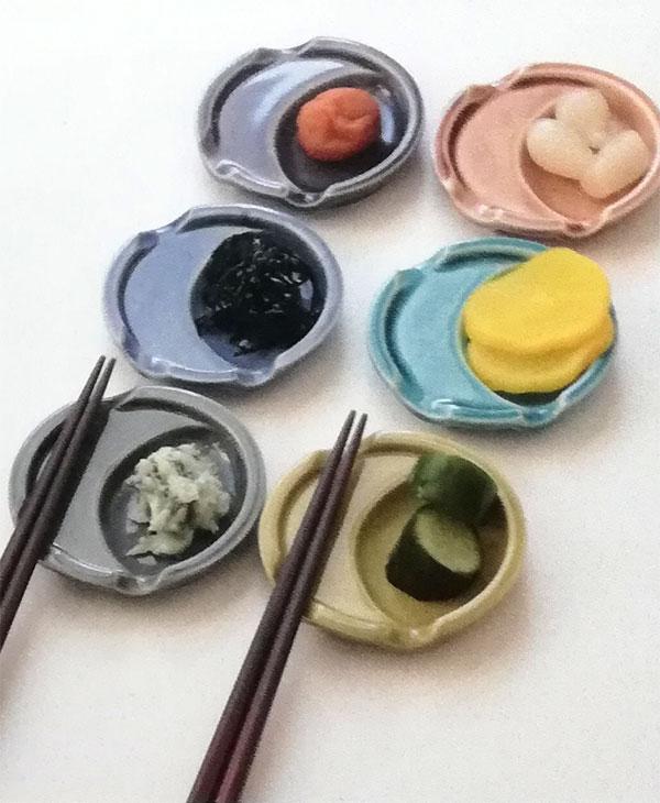 カラフルな陶器箸休め