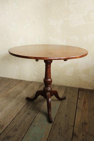 ティルトトップテーブル