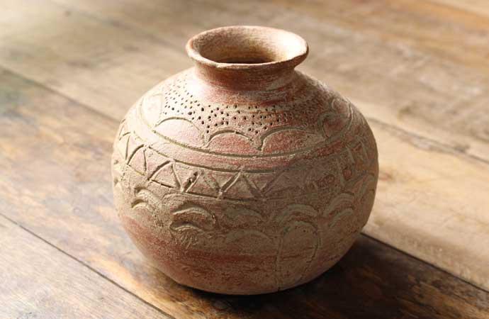 かわいい素焼き壺