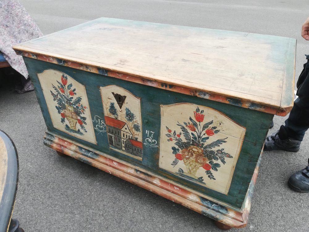 ブランケットボックス